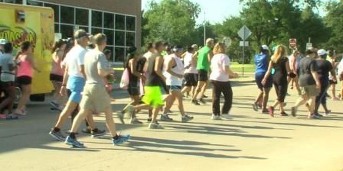 Hundreds gathered for 3 Mile Thursday