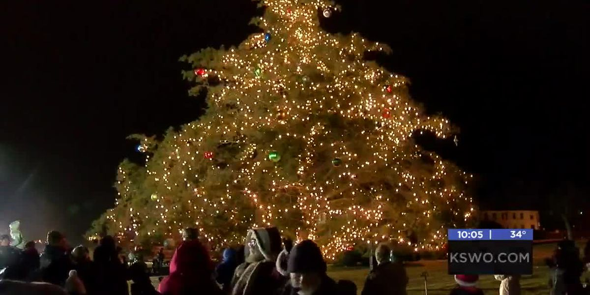 Fort Sill holds annual tree lighting ceremony