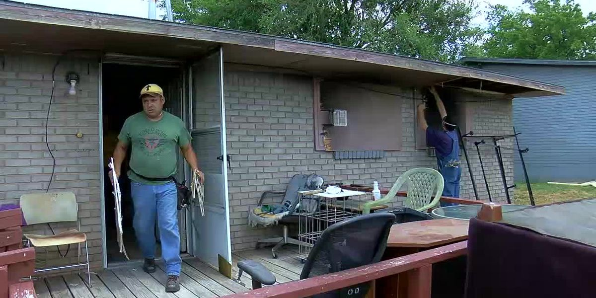 Answering the Call: Baptist Disaster Relief helps Lawton family with house fire cleanup