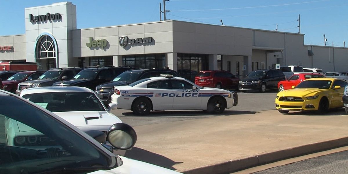 Suspicious device found at Lawton car dealership