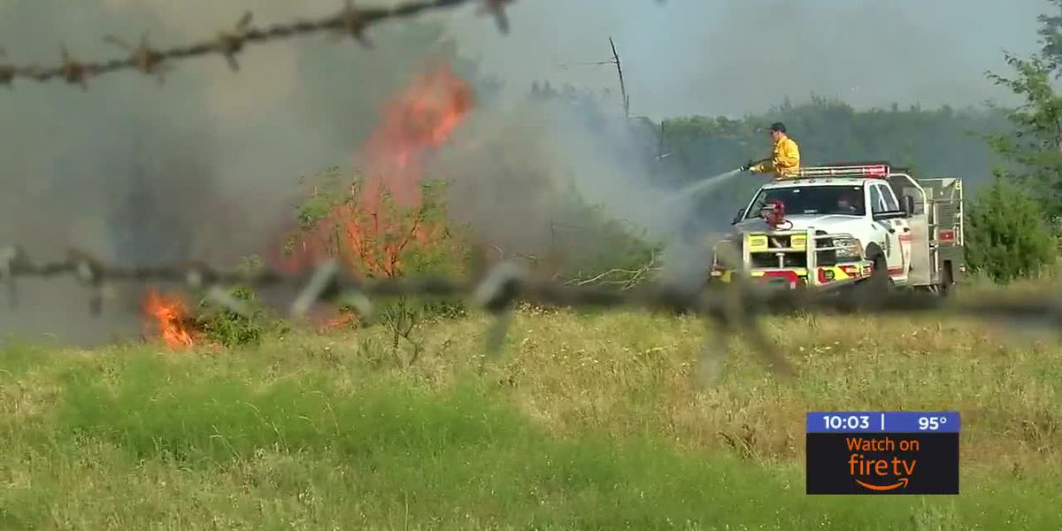 Lawton firefighters stop grass fire near Highland Cemetery