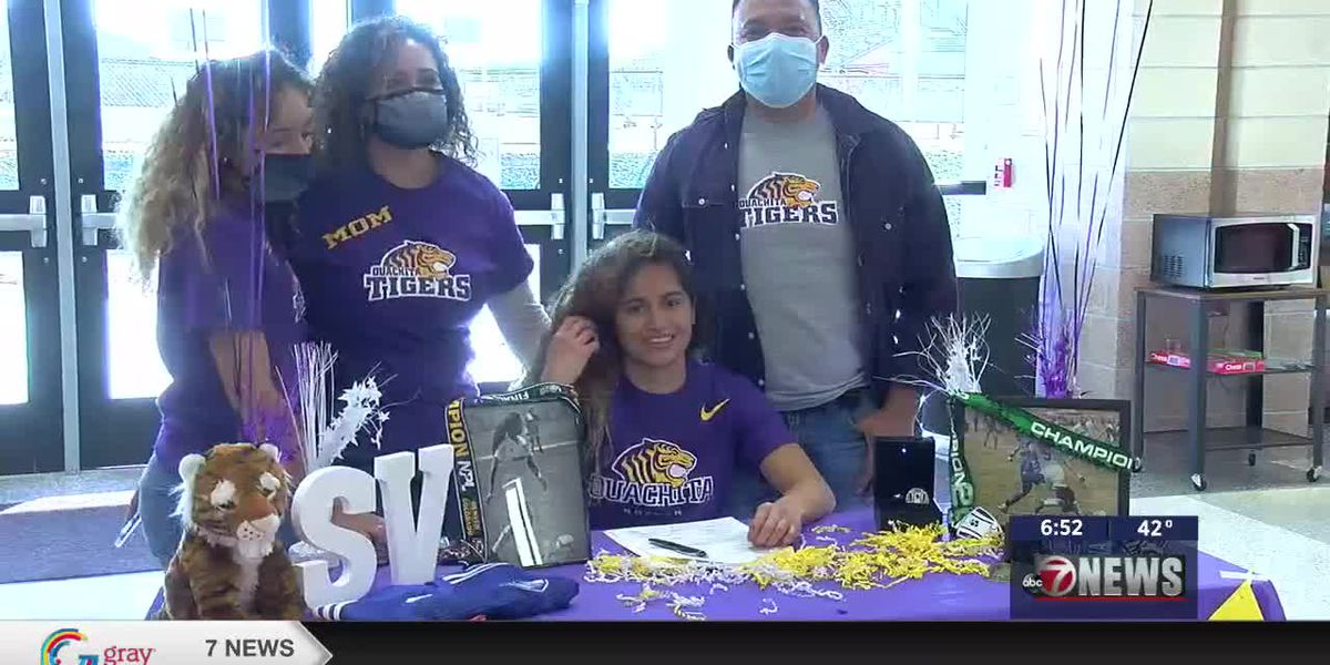 Cache's Valencia signs with Ouachita Baptist