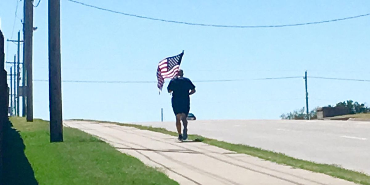 Patriotic runner spotted in Lawton