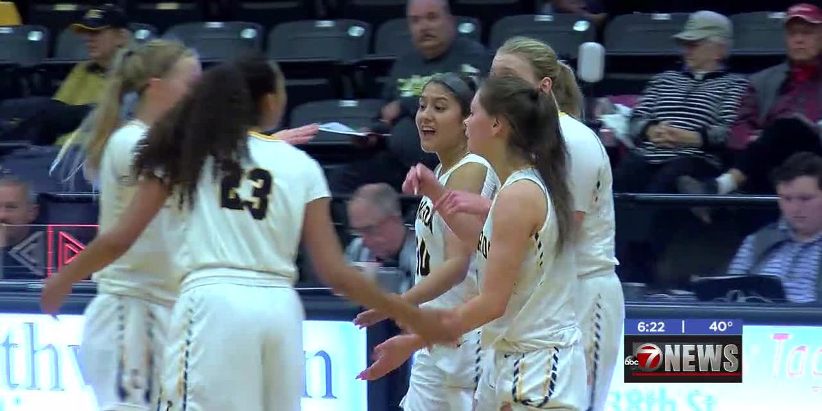 Hedge, Luster lead CU women to first home win