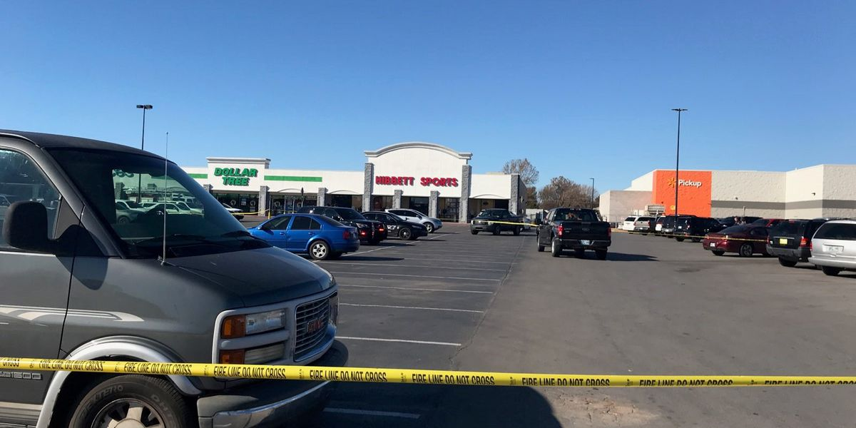 3 dead including shooter in Duncan Walmart parking lot shooting