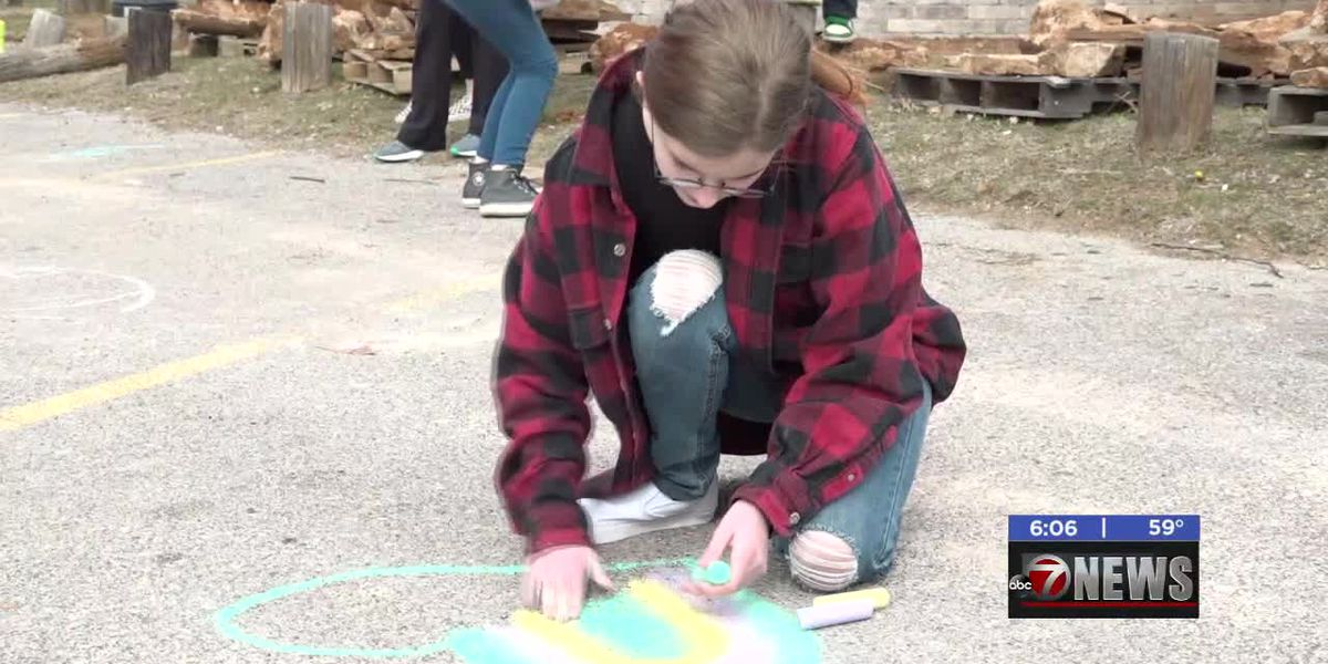 Duncan Safe Center holds annual Chalk about Love event