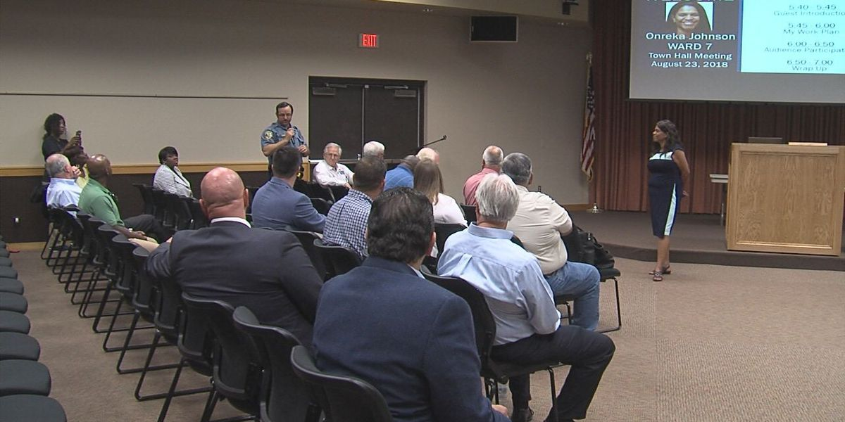 Ward 7 council member hosts town hall meeting