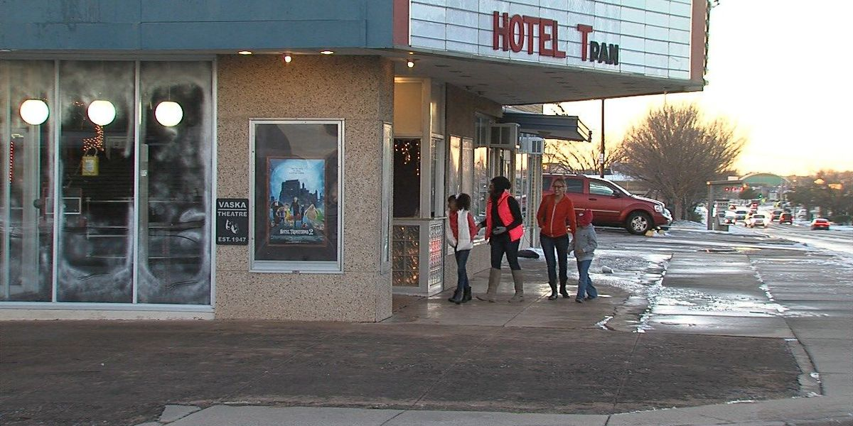 Free admission at VASKA Theater for families without power