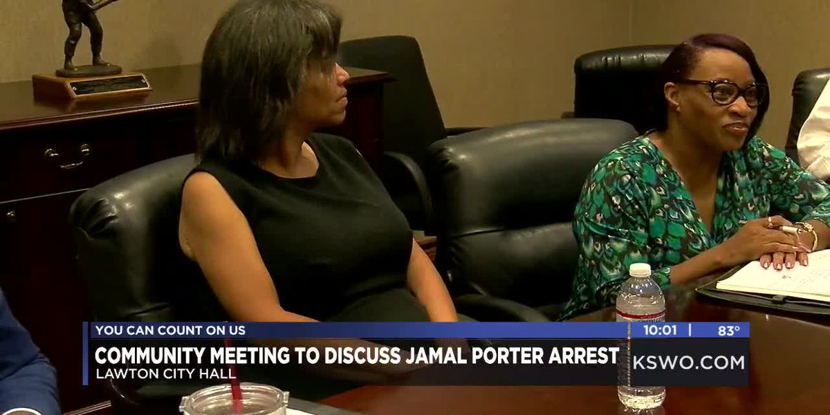 Community Leaders hold meeting with Mayor Stan Booker, LPD Chief James Smith