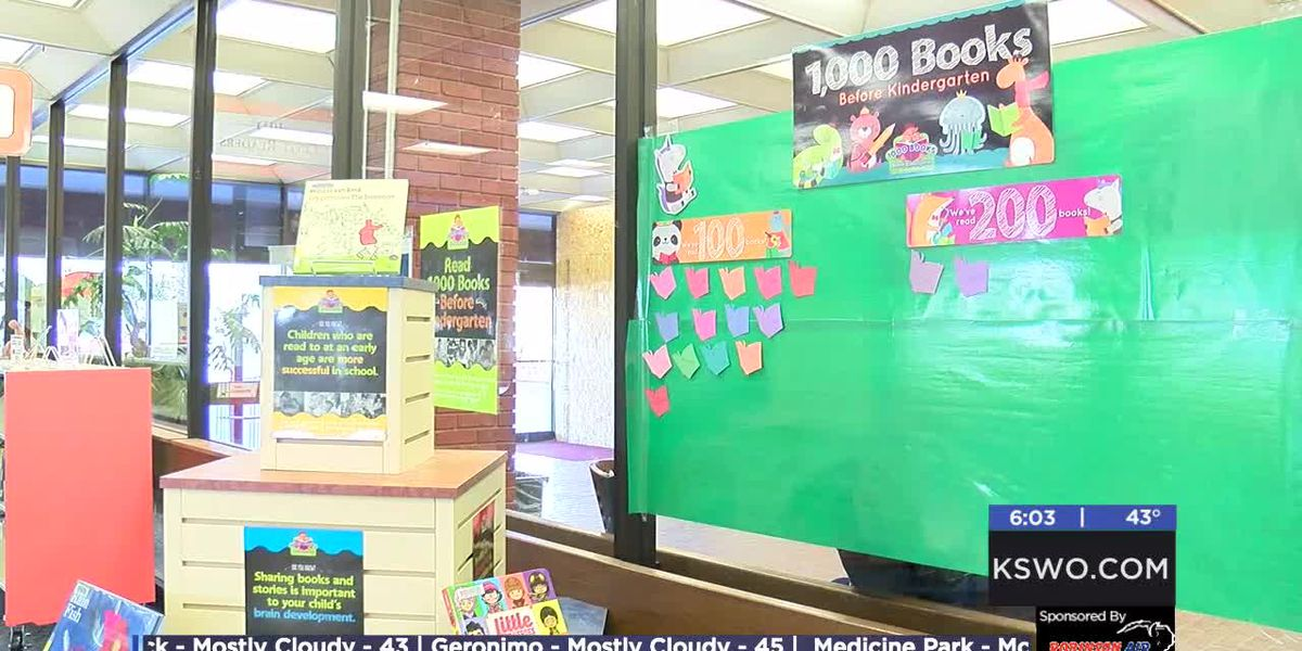 Lawton Public Library receives grant that benefits reading program
