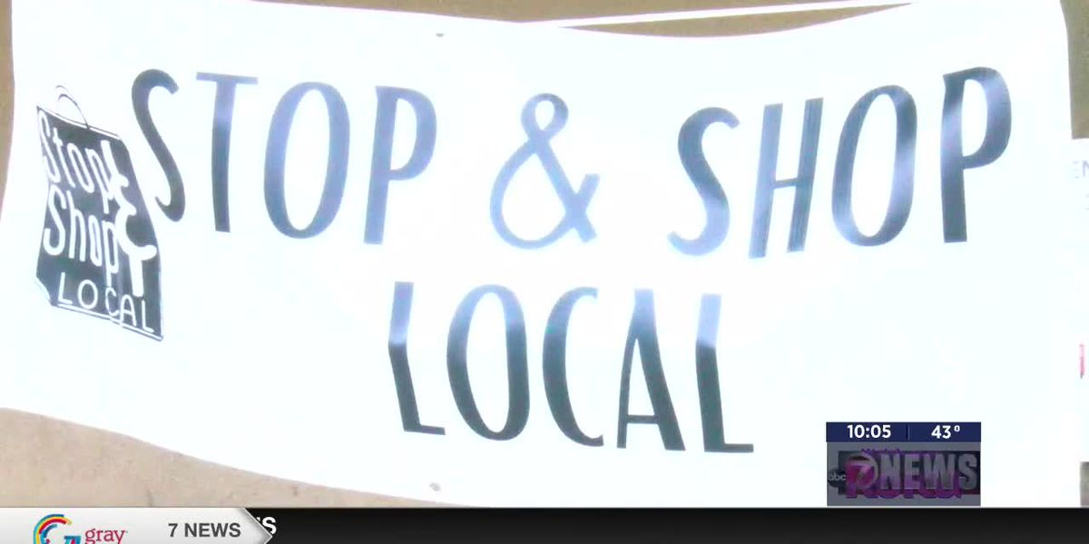 Shoppers support local on Small Business Saturday