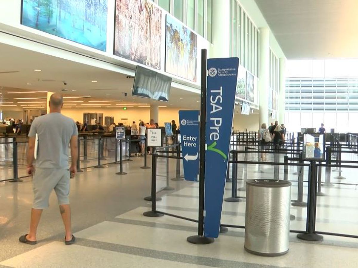 Customs and Border Protection outage snarls major airports