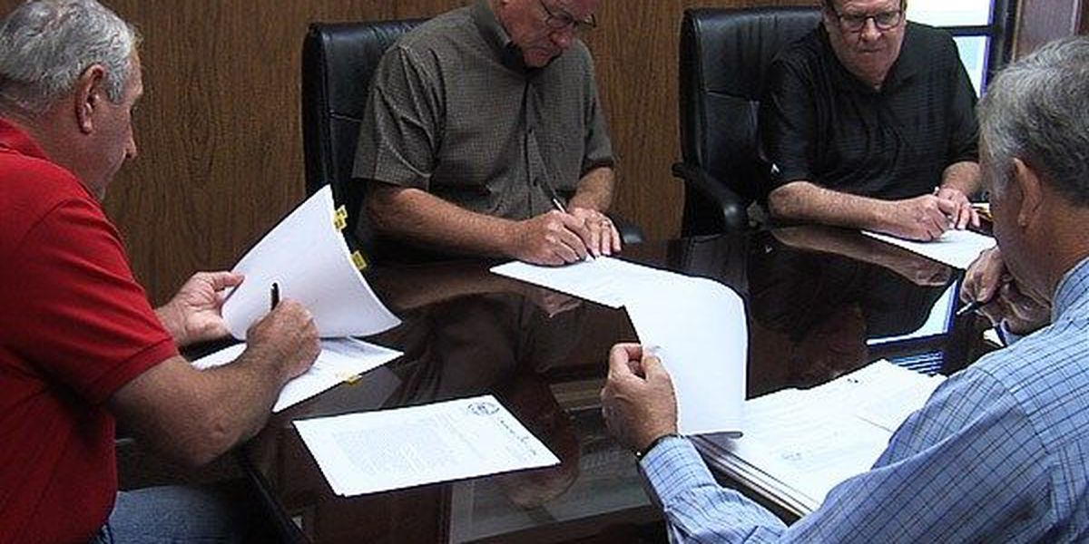 Commissioners approve funding transfer for road project
