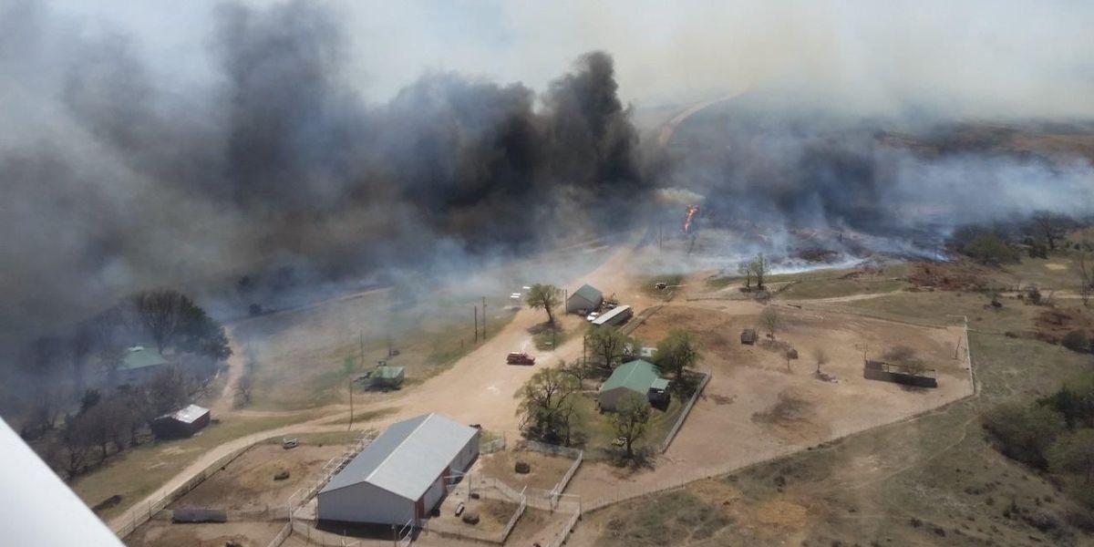 Massive fire burning in northern Oklahoma, Kansas