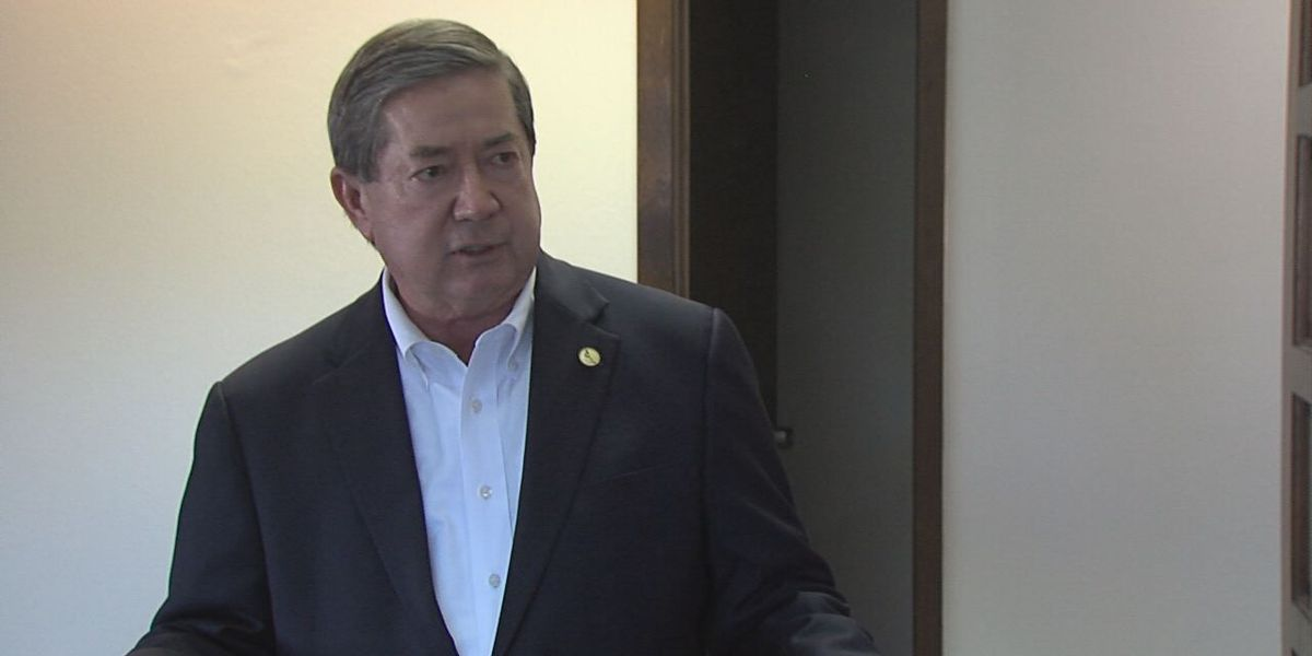 OK Governor candidate Drew Edmondson meets Lawton voters