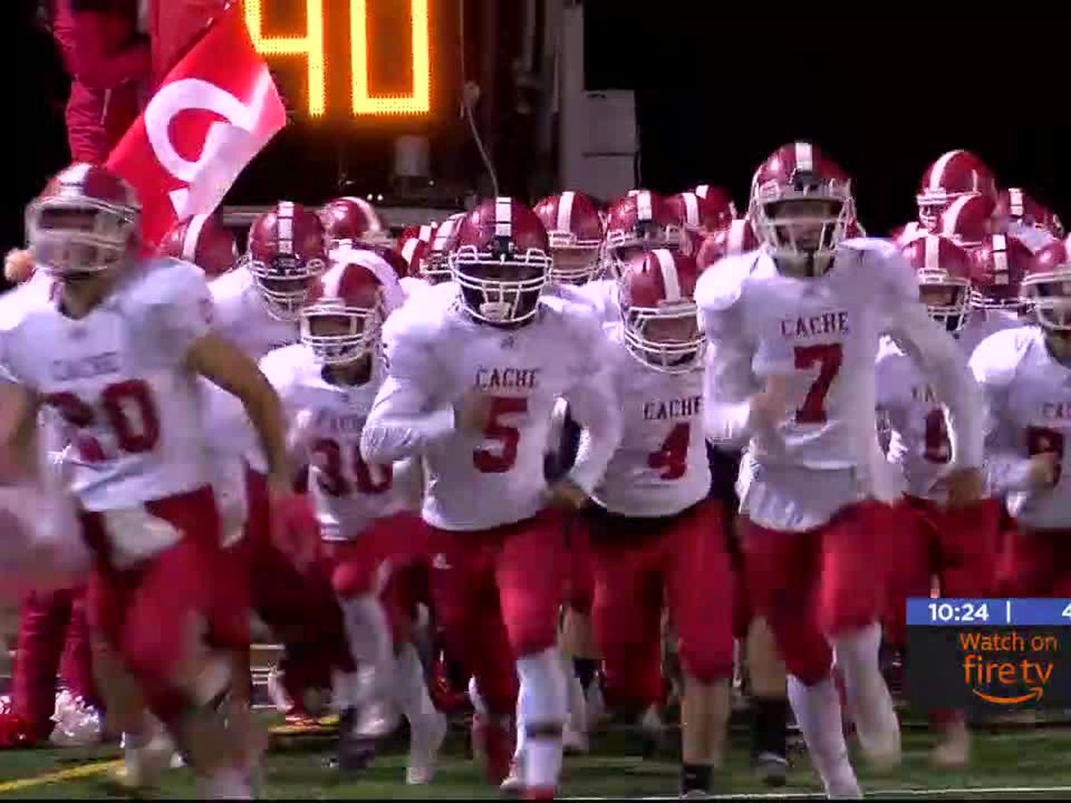 Cache beats Clinton 28-16, finishes 2nd in 4A-1