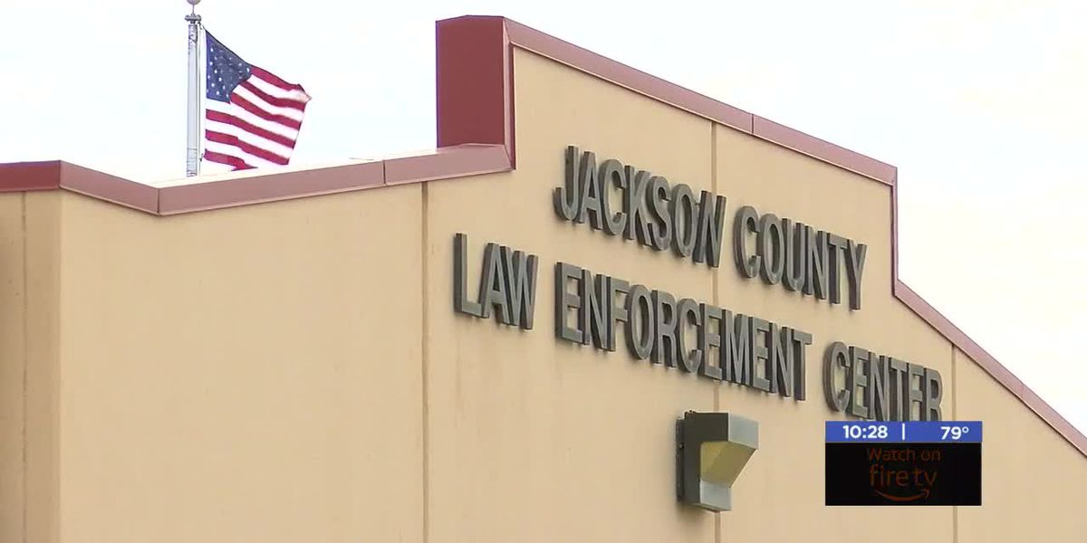 Texas man dead after collapsing in Jackson County Jail booking room