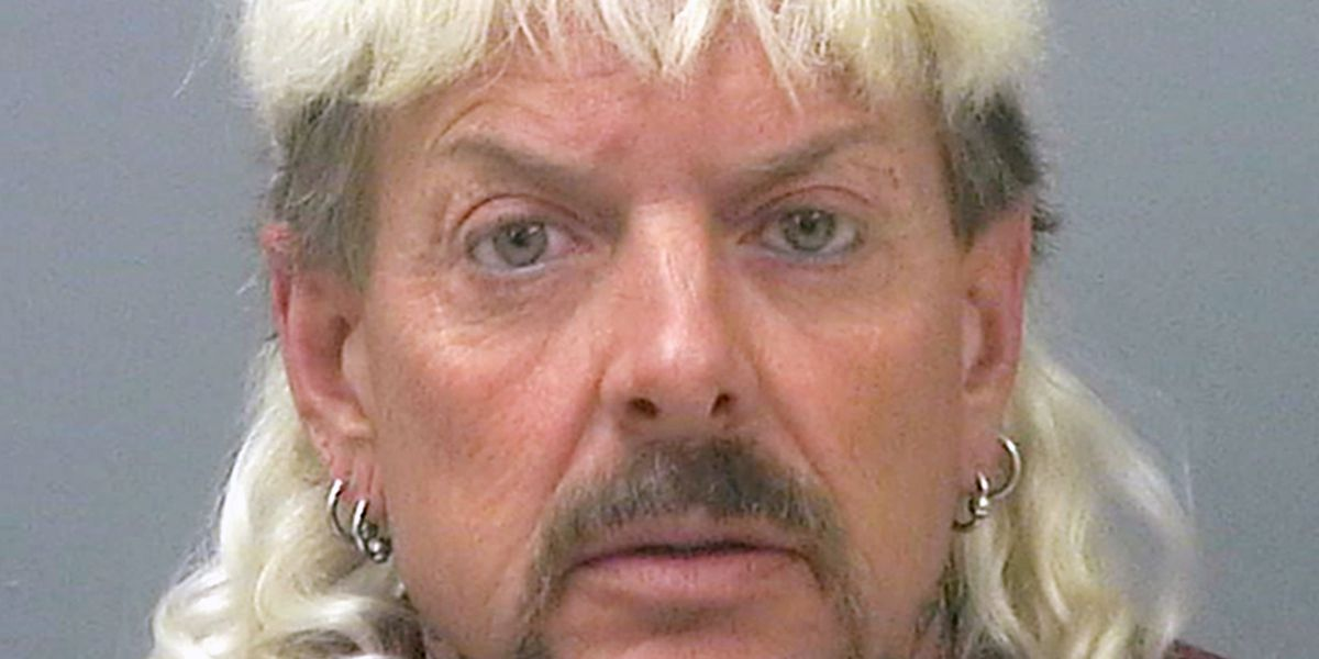 """Grand jury adds new indictments against """"Joe Exotic"""""""