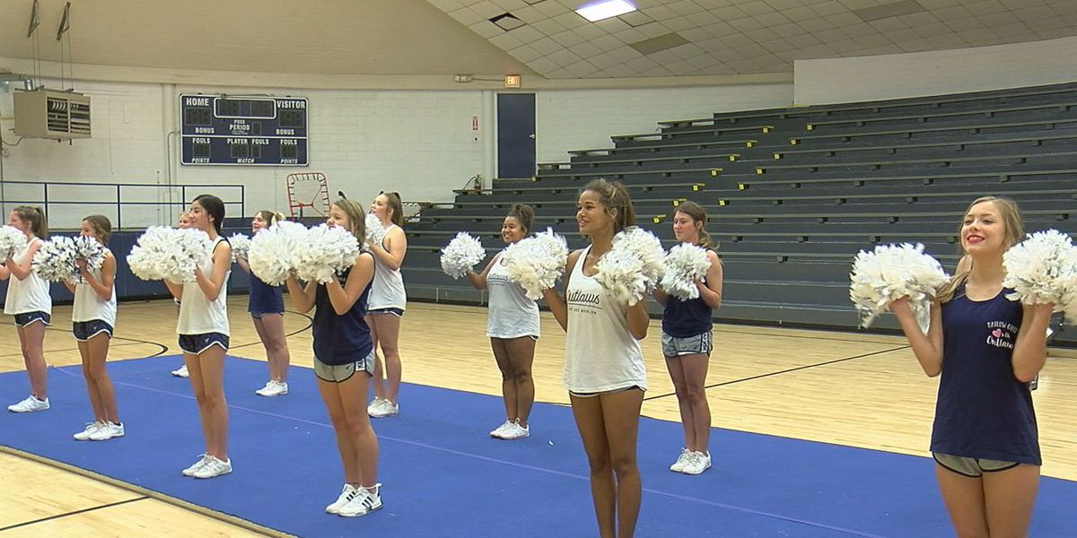 Marlow cheerleaders to perform at college football bowl game