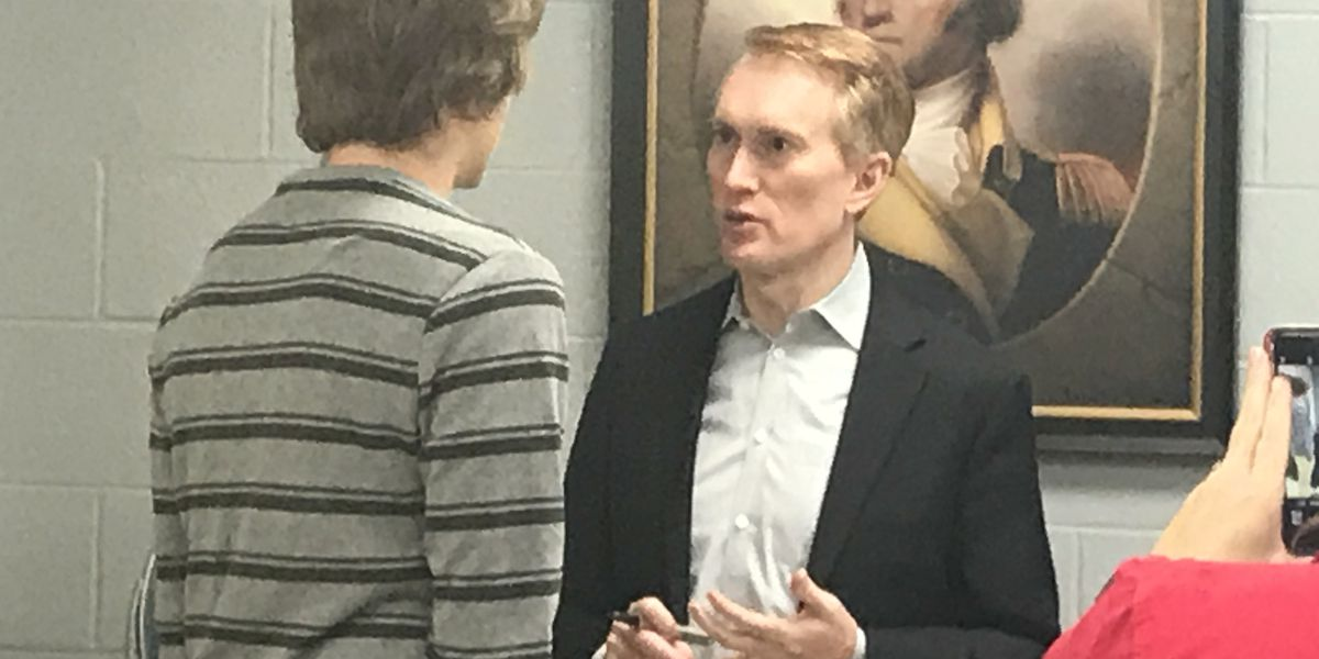 7NEWS EXCLUSIVE: Senator James Lankford talks border wall, Mueller report