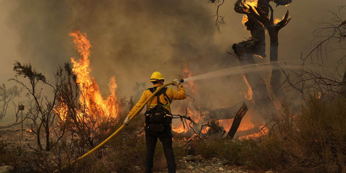 California wildfire threatening more than 1,000 homes