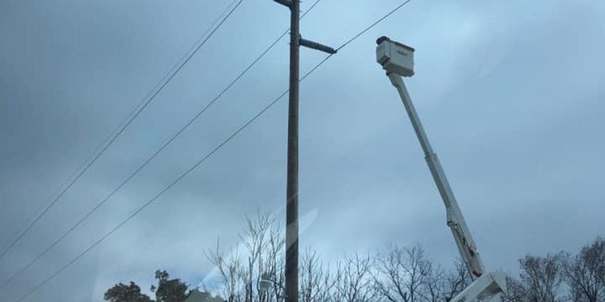 Parts of SWOK without power for hours due to winter weather