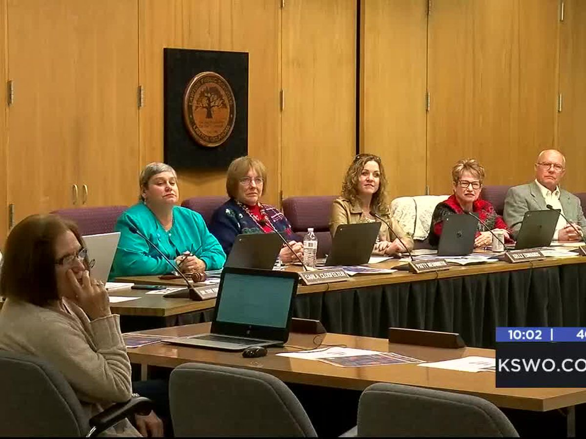 LPS Board Members excited after announcing new Superintendent