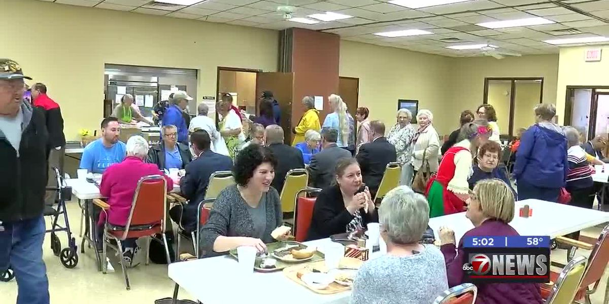Center for Creative Living hosts schnitzel fundraiser