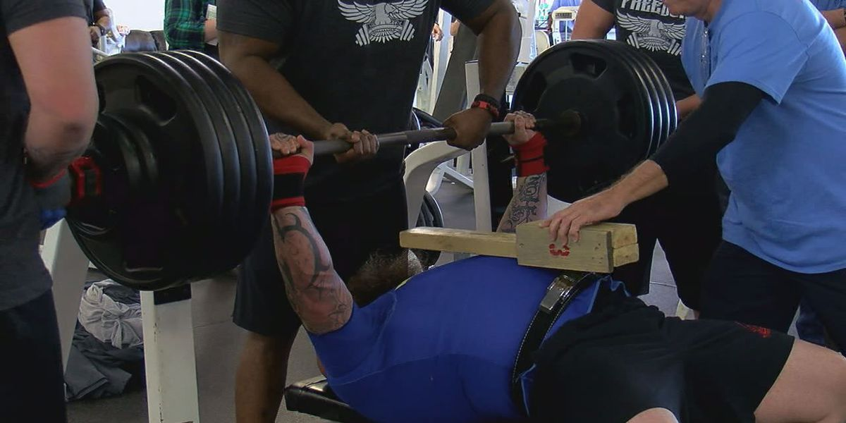 Freedom Fitness holds weightlifting contest for Wounded Warriors Project