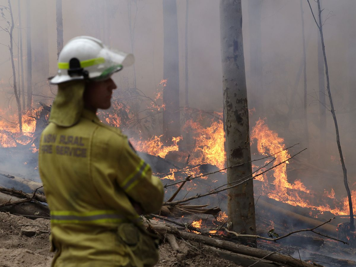 3 US firefighters die in plane crash while battling Australian wildfires