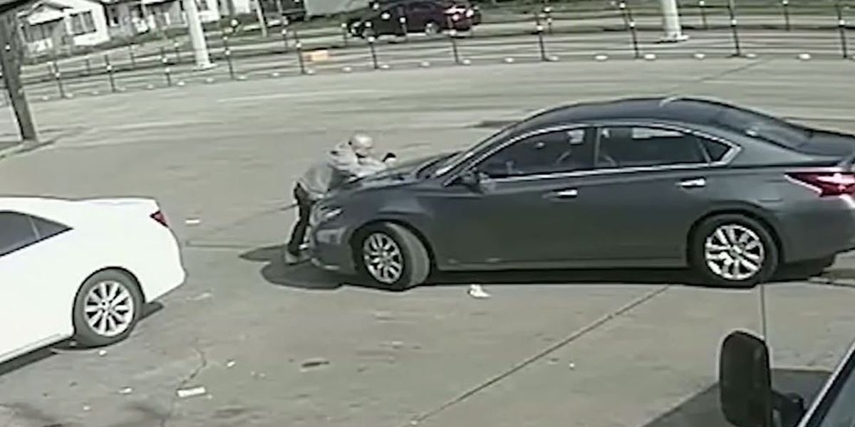 Texas man jumps on driver's hood in attempt to stop him from fleeing accident scene