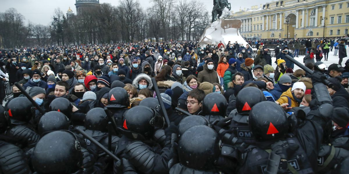 3,400 arrested at protests demanding Navalny's release