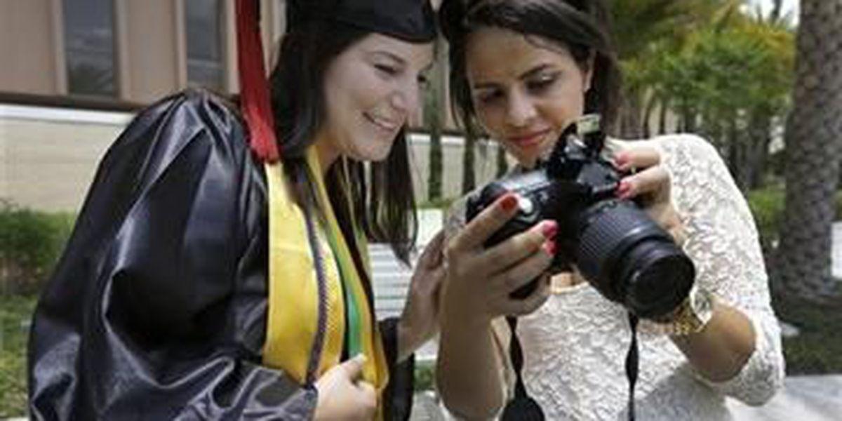 Today's advice to graduates: No selfies