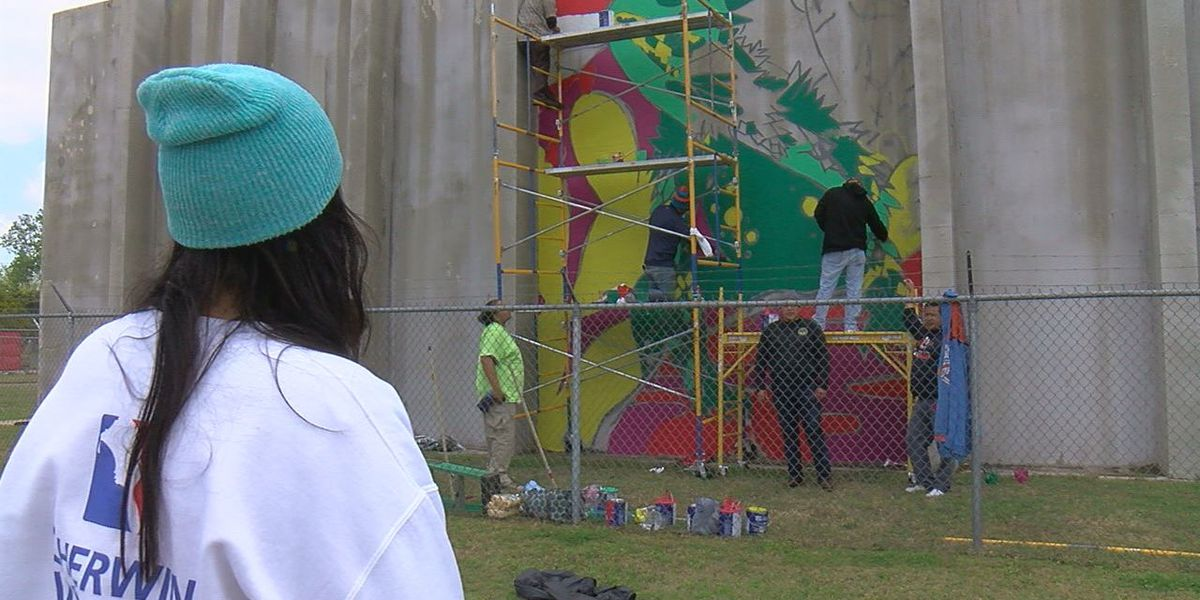 Mural painted on Cache water tower