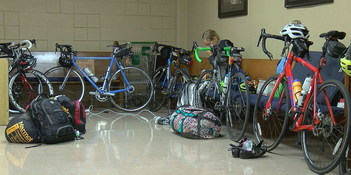 Cross country cyclist group rides for a cause