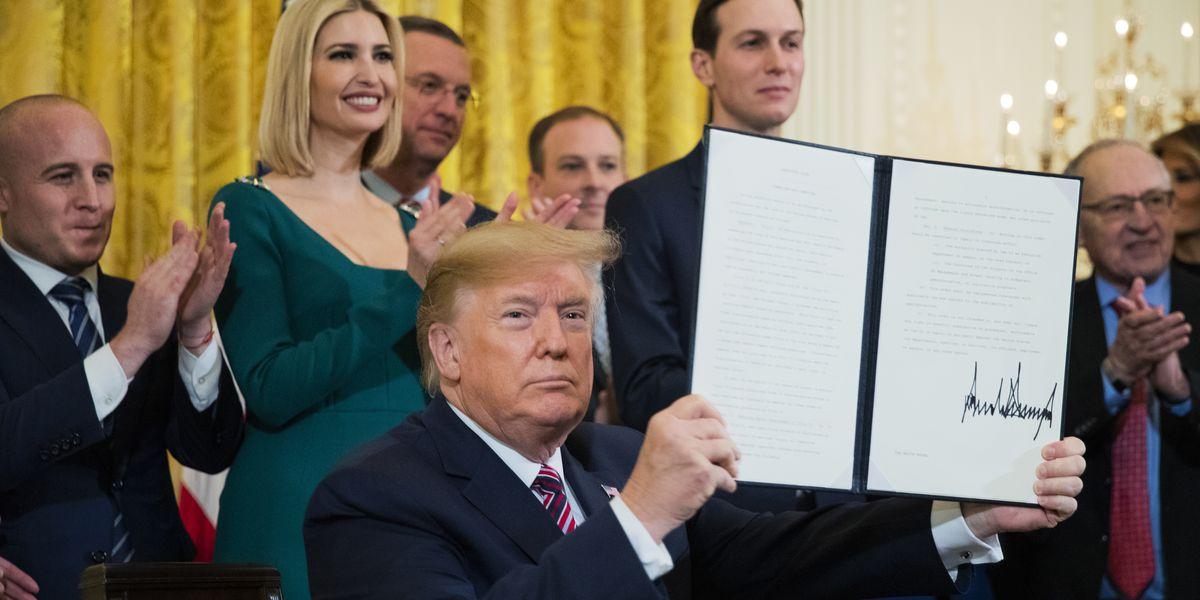 Trump signs order targeting college anti-Semitism