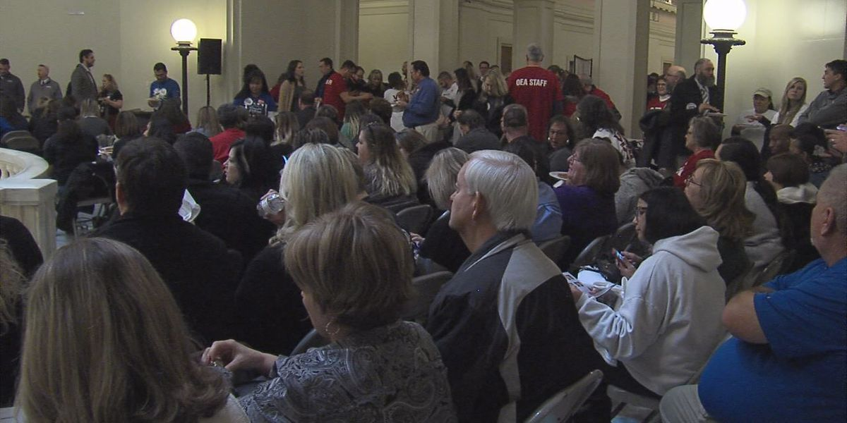 Hundreds of teachers rally at Capitol for Step Up Oklahoma Plan