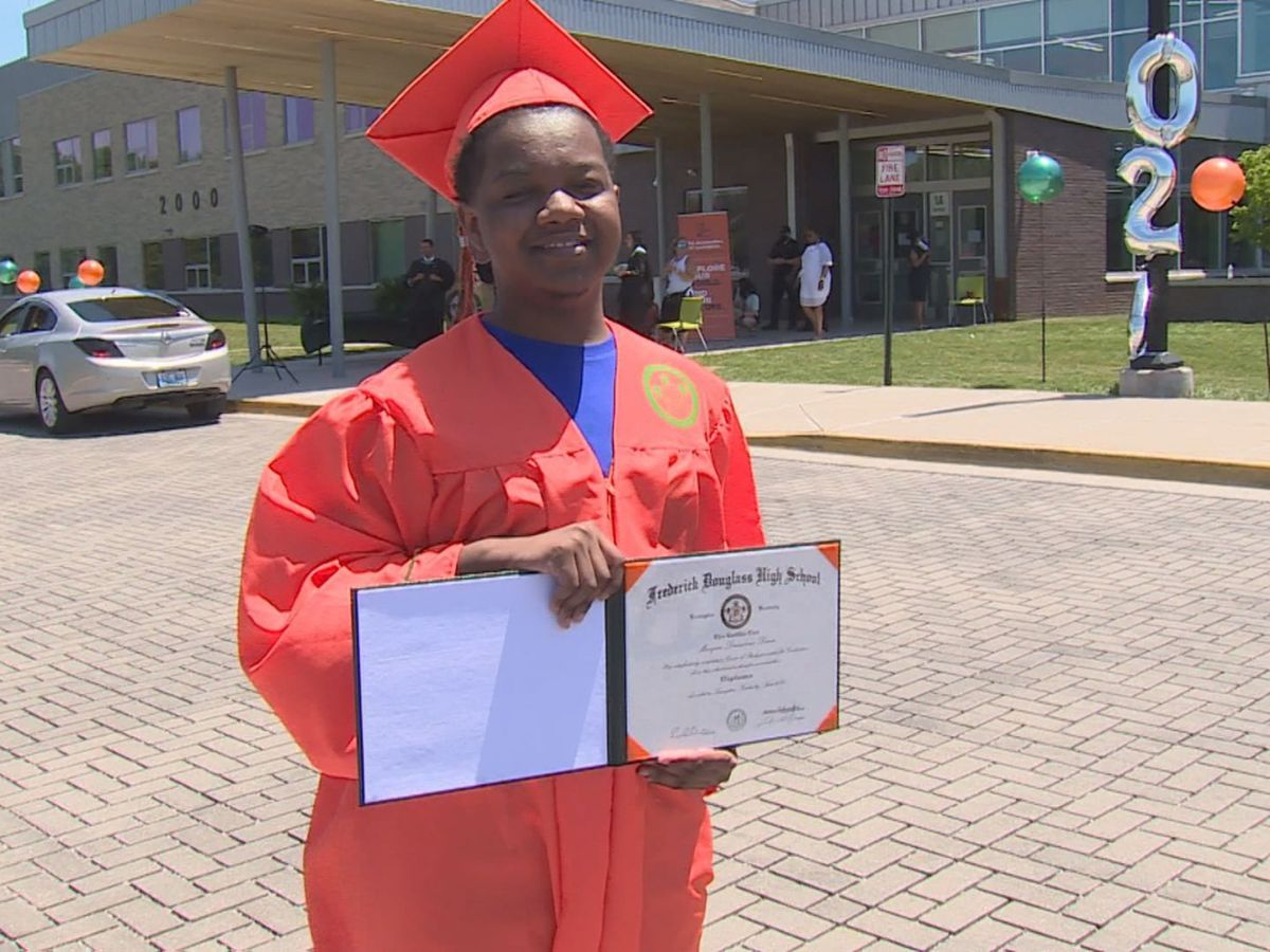 Kentucky high school student graduates months after dual organ transplant