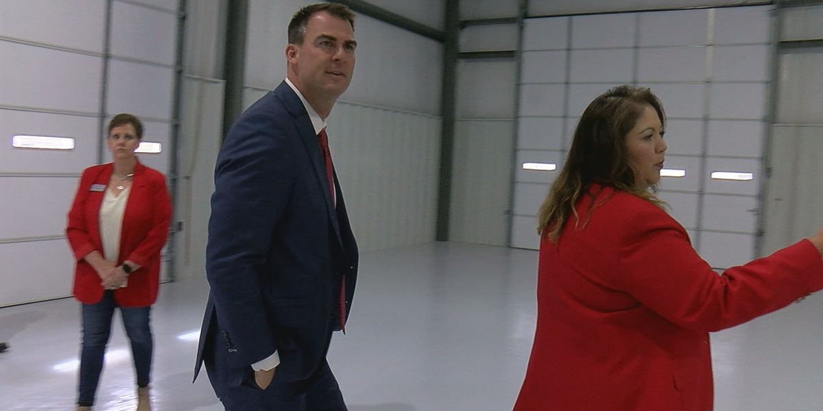 Gov. Stitt comes to Duncan, tours two local businesses