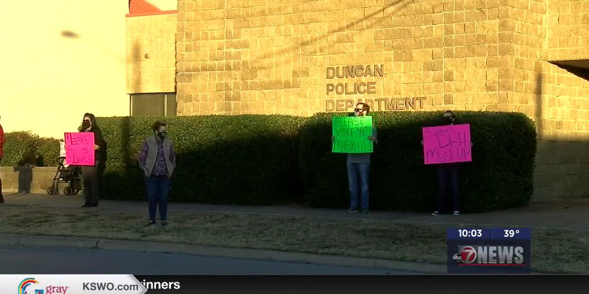 Duncan city council passes mask resolution 3-2 during special meeting