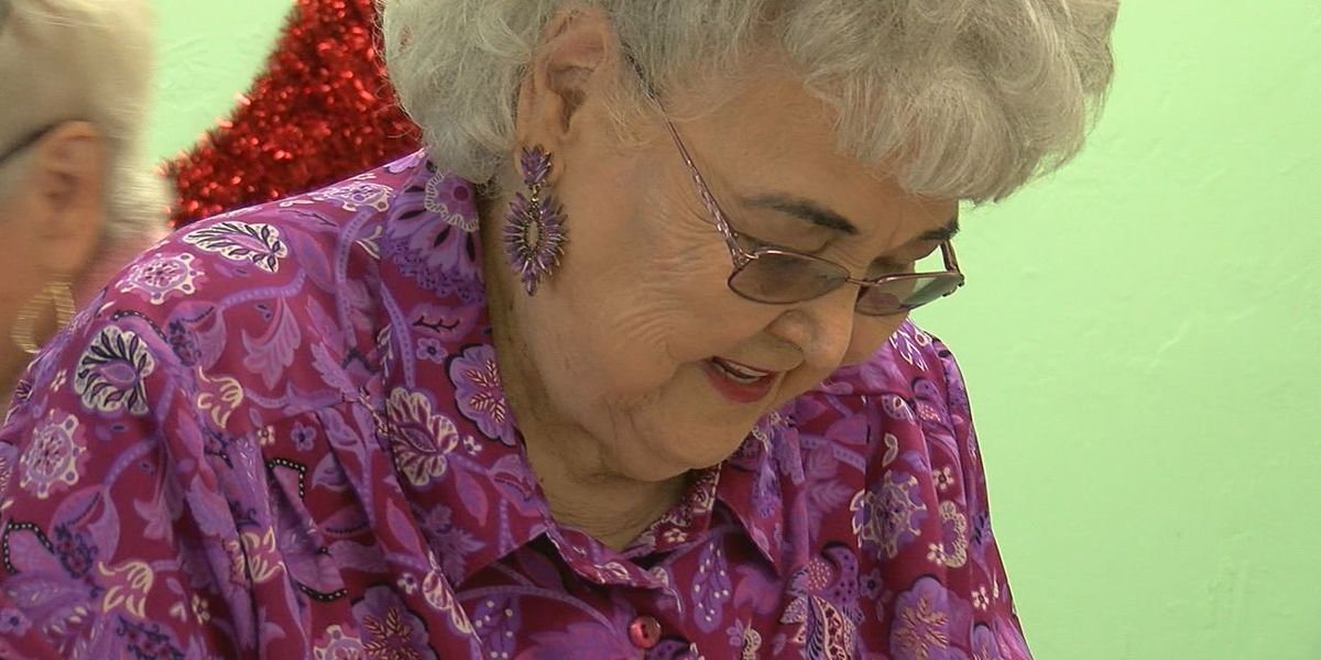 Marlow woman, 92, cooks for fellow seniors