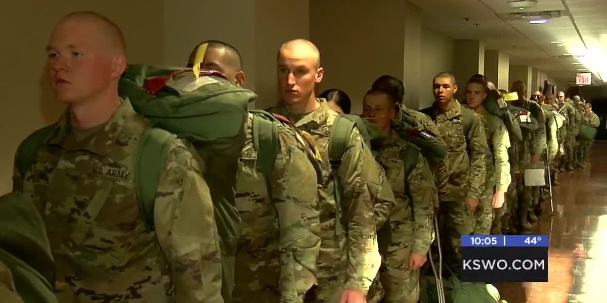 Fort Sill basic trainees take holiday block leave