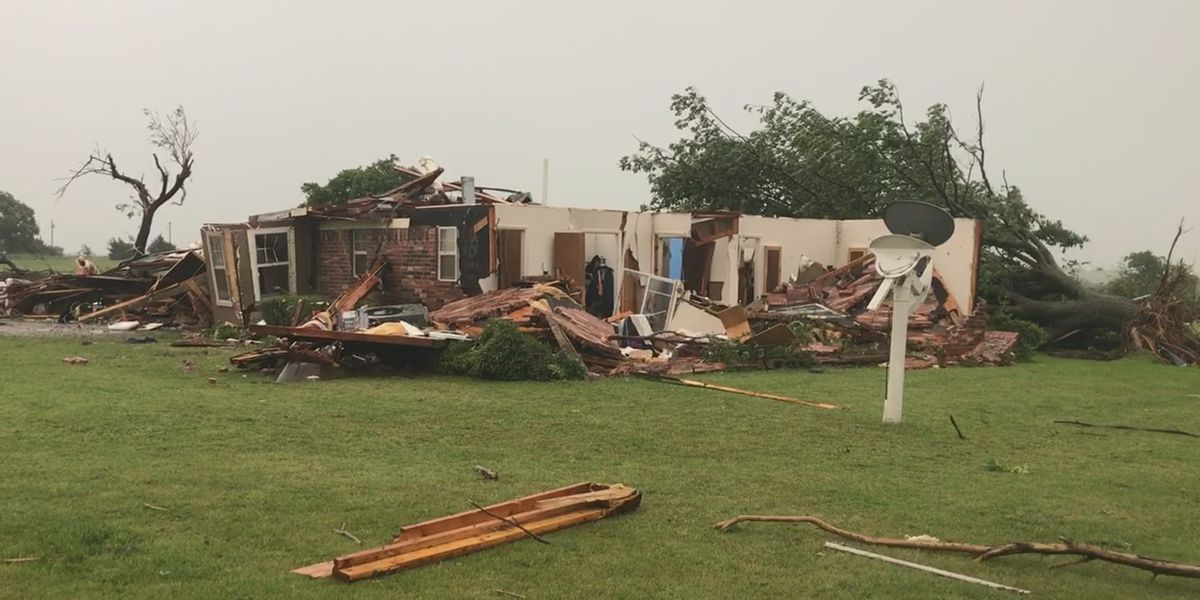 Early morning tornado destroys 2 homes in SE Comanche County