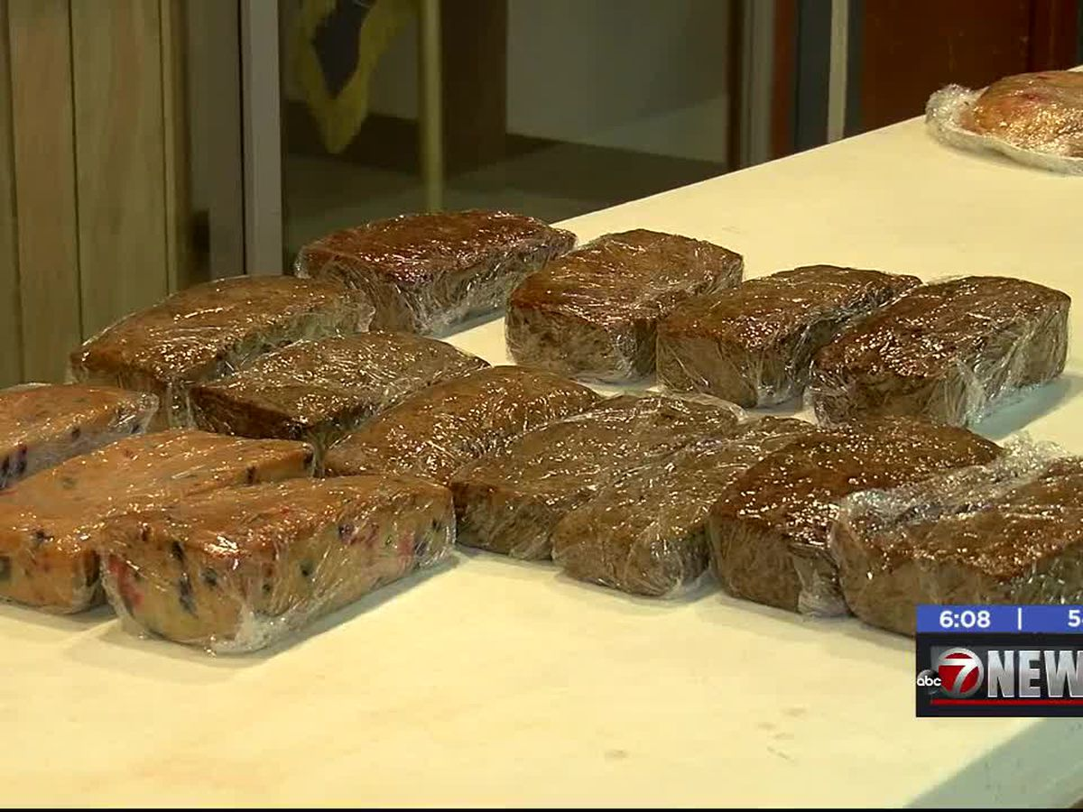 House of Bread Ministries holds bake sale fundraiser
