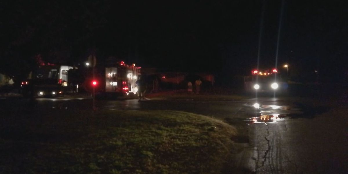 Walters Fire Department extinguishes vacant house on fire Friday night