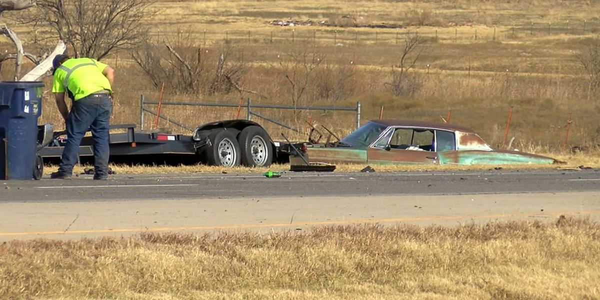 Rollover crash caused lane closures on Highway 7