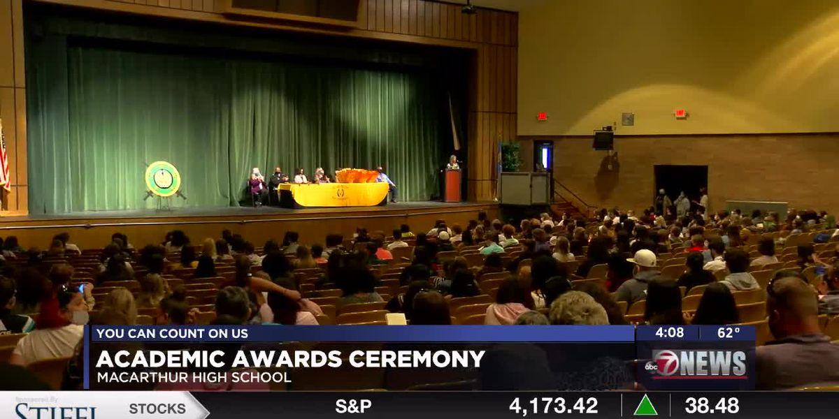 MacArthur High School celebrates students during Academic Award Ceremony