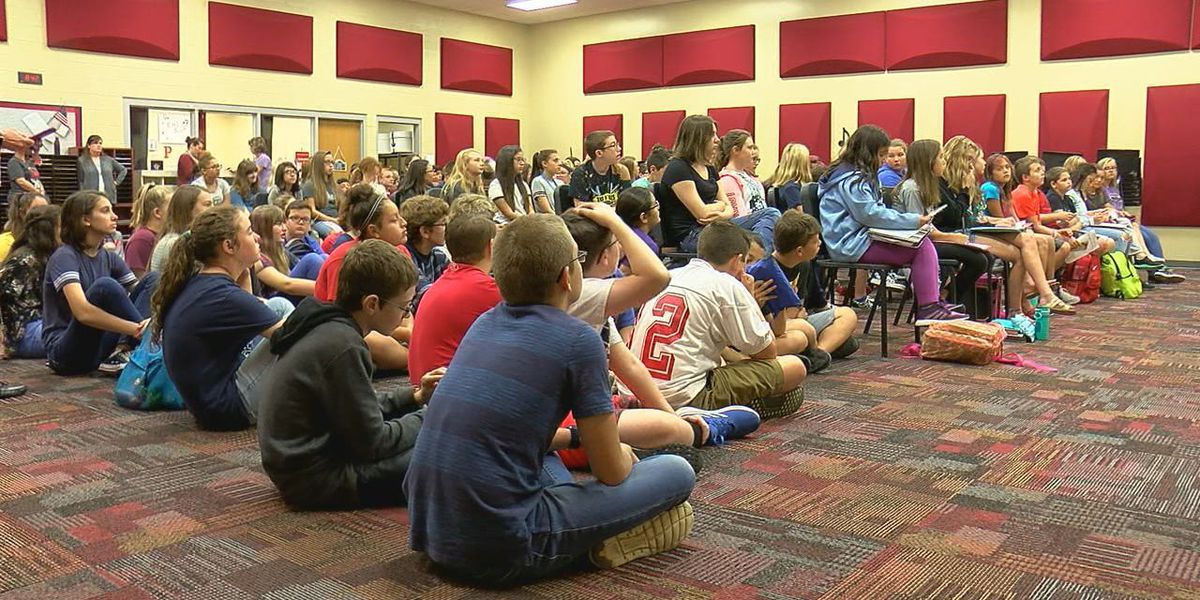 Elgin students meet with gubernatorial candidates