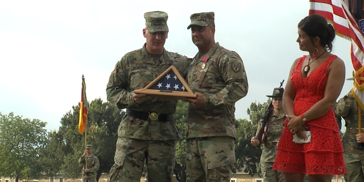 Ft. Sill honors Colonel Paul Hossenlopp's 30 years of service
