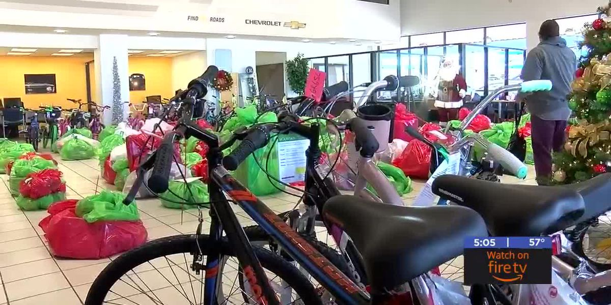 Chickasha dealership donates to kids in need